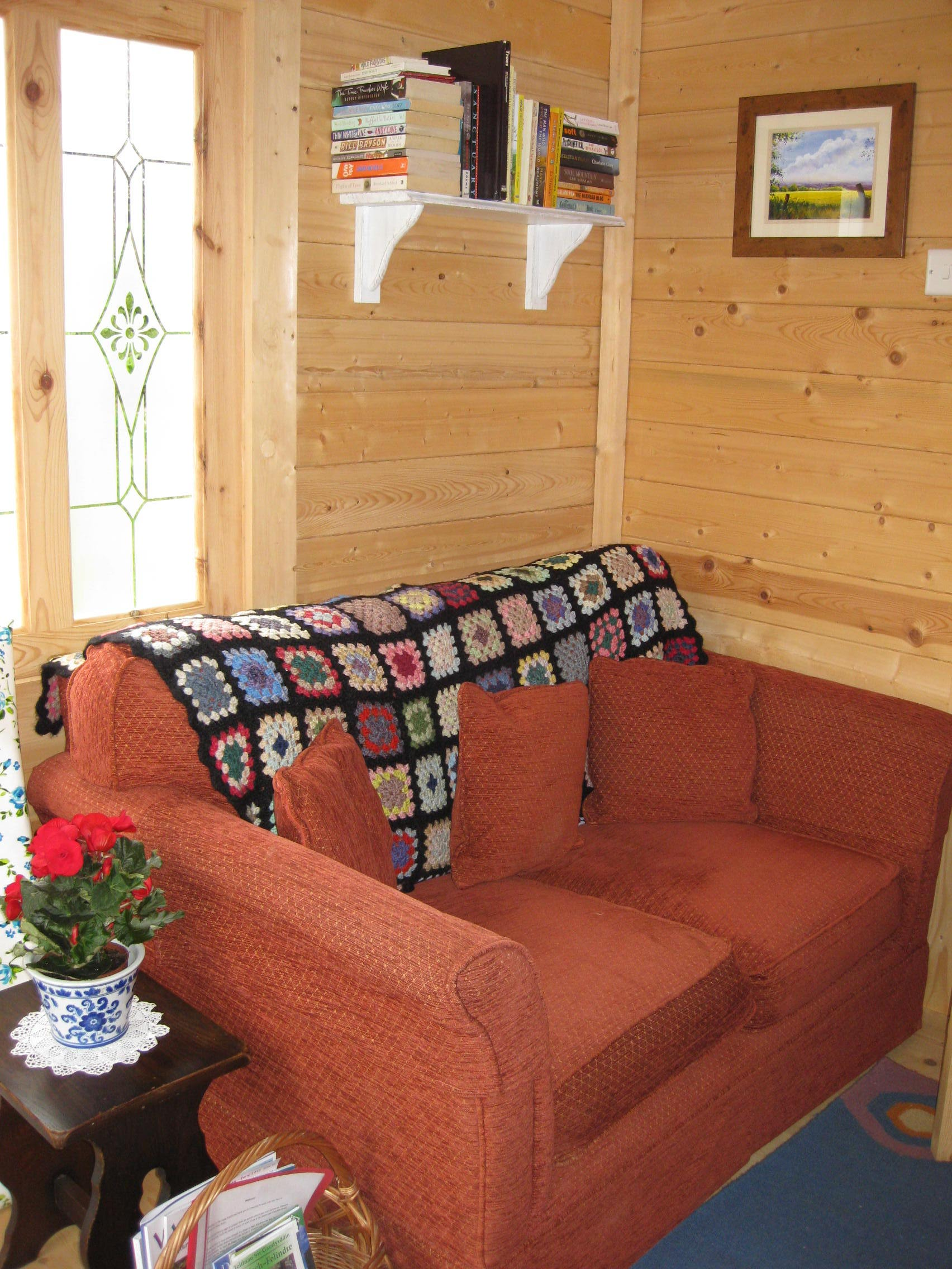 Cabin sofa area.JPG